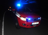 Série dopravních nehod nekončí ani po půlnoci, k další byl přivolán i záchranářský vrtulník (3)