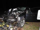 Série dopravních nehod nekončí ani po půlnoci, k další byl přivolán i záchranářský vrtulník (5)