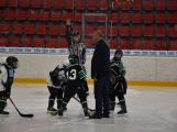 Zakončení hokejové sezóny se mimo jiných zúčastnil i legendární brankář Dominik Hašek. (2)
