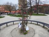 Žáci základních škol vyzdobili náměstí. Jak se vám to líbí? (2)
