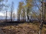 Příčina včerejšího požáru v CHKO: Odlétnutí segmentů po řízeném výbuchu (1)