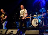 Dvě legendární kapely rozvášnily Březnici (50)