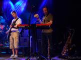 Dvě legendární kapely rozvášnily Březnici (64)