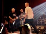 Dvě legendární kapely rozvášnily Březnici (94)