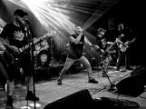 Dvě legendární kapely rozvášnily Březnici (29)