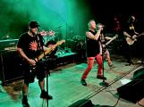 Dvě legendární kapely rozvášnily Březnici (31)