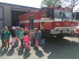 Děti se seznámily s prací hasičů (11)
