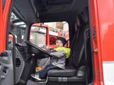 Děti se seznámily s prací hasičů (10)