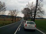 Nehoda tří vozů komplikuje provoz na Strakonické ()