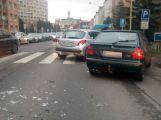 Nehoda v Milínské komplikuje ranní provoz ve městě ()