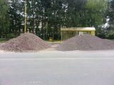 Ve Školní ulici pokračuje výstavba nových parkovacích míst (2)