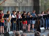 Náměstím zněl swing, rock, ale i krásné české dudy (10)