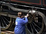 Na nádraží opět zasyčela pára a zasupěla parní lokomotiva (8)