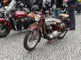 Motorkáři a plechovkáři přejeli českou Route 66 (1)