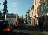 V ulici Čs. armády se srazily dva vozy, počítejte se zdržením (2)