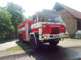 Šest jednotek hasičů likviduje požár rodinného domu na Příbramsku (10)