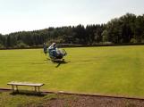 Vážná dopravní nehoda motorkáře u Vysoké Pece. Na místě přistává vrtulník ()