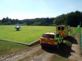 Vážná dopravní nehoda motorkáře u Vysoké Pece. Na místě přistává vrtulník (1)