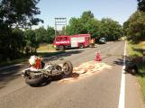 Vážná dopravní nehoda motorkáře u Vysoké Pece. Na místě přistává vrtulník (3)