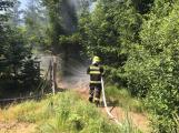 Aktuálně: Plameny zachvátily budovu na dětském táboře. Na místě je třicet dětí ()