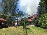 Aktuálně: Plameny zachvátily budovu na dětském táboře. Na místě je třicet dětí (20)