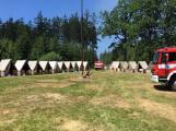 Aktuálně: Plameny zachvátily budovu na dětském táboře. Na místě je třicet dětí (32)
