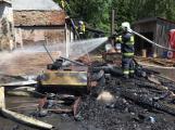 Aktuálně: Plameny zachvátily budovu na dětském táboře. Na místě je třicet dětí (4)