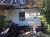 Aktuálně: Plameny zachvátily budovu na dětském táboře. Na místě je třicet dětí (8)