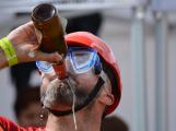 Za jak dlouho je možné vypít 13 piv v  jednom Vrančickém tupláku? (20)
