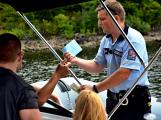 Hladinu Orlické přehrady křižovaly čluny Policie ČR a Státní plavební správy (2)
