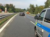 Provoz na dálnici D4 komplikuje nehoda osobního vozu ()