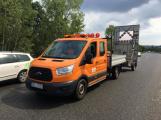 Provoz na dálnici D4 komplikuje nehoda osobního vozu (3)