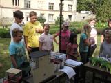 Zaměstnanci Věznice Příbram navštívili léčebnu Bukovany, odsouzení předali dětem vlastnoručně vyrobené dary (2)