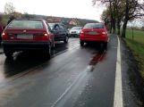 Nehoda tří vozů uzavřela silnici na Hluboš (3)