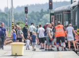 Nádraží v Rožmitále zaplnily davy lidí (21)