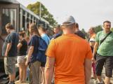Nádraží v Rožmitále zaplnily davy lidí ()