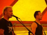 Punkové legendy přijely na Dobříš a zaplnily šapitó (24)