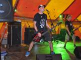 Punkové legendy přijely na Dobříš a zaplnily šapitó (36)