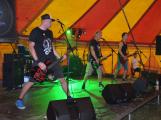 Punkové legendy přijely na Dobříš a zaplnily šapitó (35)