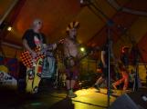 Punkové legendy přijely na Dobříš a zaplnily šapitó (3)