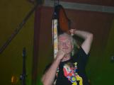 Punkové legendy přijely na Dobříš a zaplnily šapitó (12)