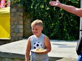 Vitěz soutěže v pojídání knedlíků poletí balónem (36)