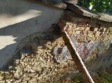 Konečně. Kolem zdi u březohorského hřbitova se již začíná něco dít (2)