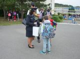 Příbramští policisté upozorňovali školáčky na správné přecházení silnice (5)