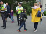 Příbramští policisté upozorňovali školáčky na správné přecházení silnice (2)