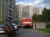 Tři metry k životu: Hasičům blokují průjezd špatně zaparkovaná auta (70)