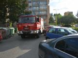 Tři metry k životu: Hasičům blokují průjezd špatně zaparkovaná auta (73)