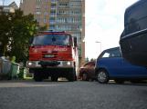Tři metry k životu: Hasičům blokují průjezd špatně zaparkovaná auta (78)