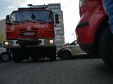 Tři metry k životu: Hasičům blokují průjezd špatně zaparkovaná auta (67)