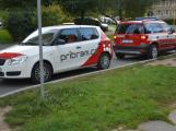 Tři metry k životu: Hasičům blokují průjezd špatně zaparkovaná auta (58)